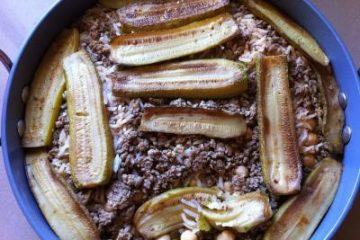 תבשיל בשר, אורז, חומוס וקישואים