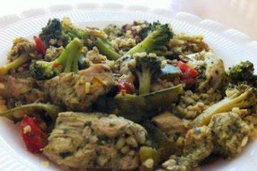 רצועות עוף בפסטו עם ירקות