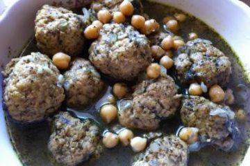 גונדי (קציצות עוף עם קמח חומוס)