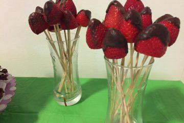 שיפודי תותים שוקולדיים